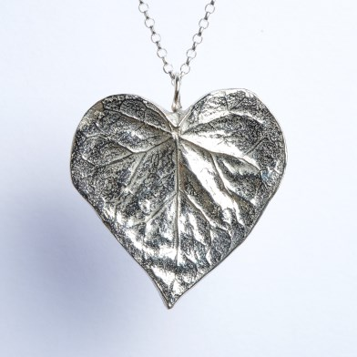 Heart Leaf Necklace | Image 1