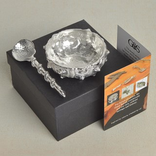 Spiky Urchin Shell English Pewter Bowl and Shell Pewter Spoon | Image 5