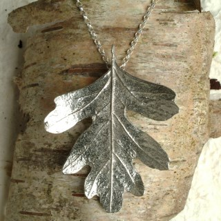 Hawthorn Leaf Necklace | Image 2