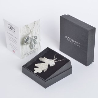 Hawthorn Leaf Necklace | Image 3