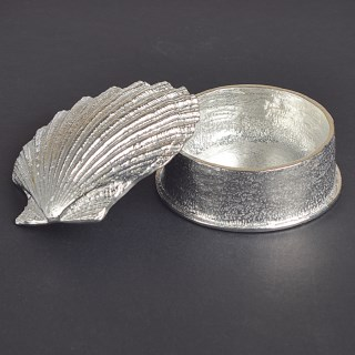 Scallop Shell Keepsake Box | Image 5